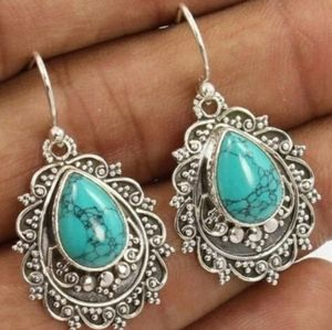 silver and Turquoise hang earring